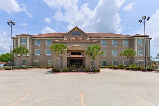 Photo of Comfort Inn & Suites Winnie