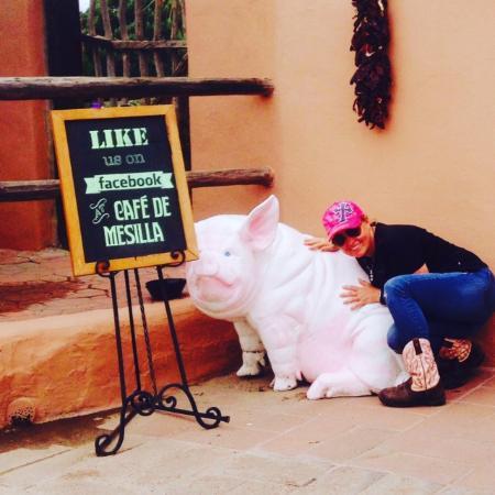 Cafe de Mesilla: Piggies