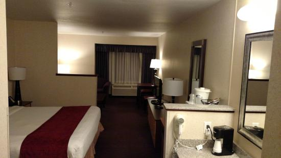 Crystal Inn Hotel & Suites Brigham City: King room