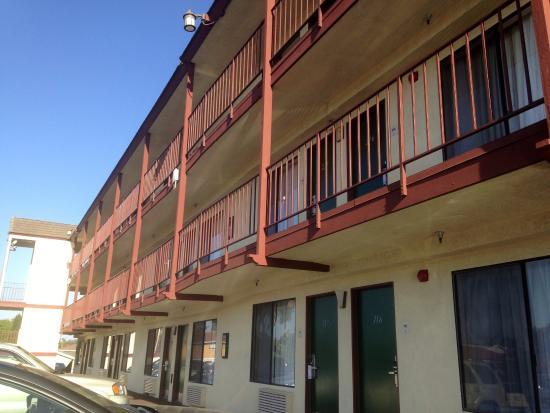 Huntington Beach Inn: Estilo motel americano
