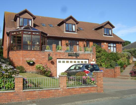 Englewood Lodge: The Lodge