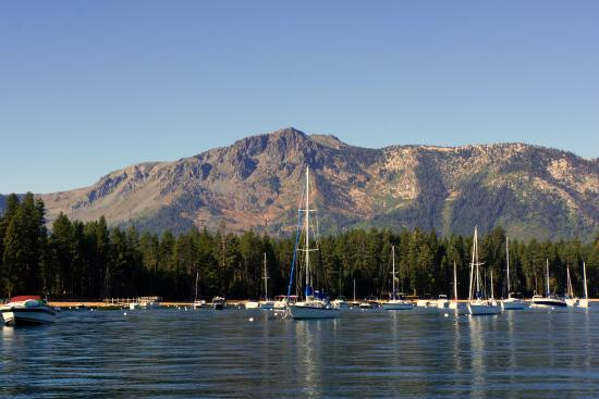Саут-Лейк-Тахо, Калифорния: Marina Near Mt Tallac