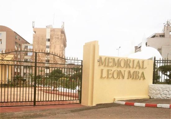 Libreville, Gabun: memorial Leon Mba