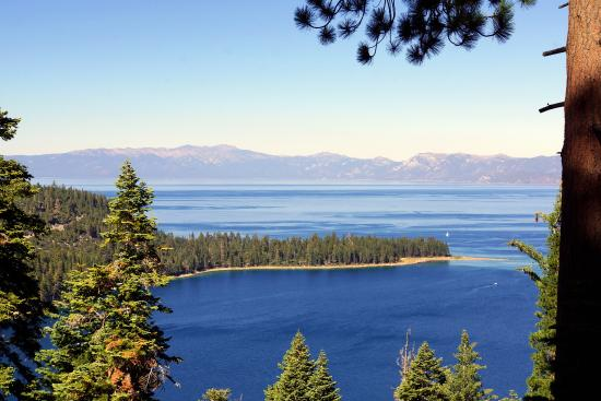 South Lake Tahoe, Californien: View of Emerald Bay From Overlook