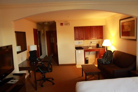 Holiday Inn Express Amherst-Hadley: executive room
