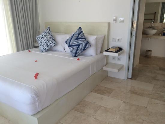 Seri Resort Gili Meno: Our Room - (Beach view bungalow)