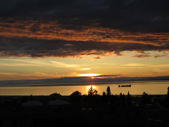 Susitna Place: Sunset from Patio