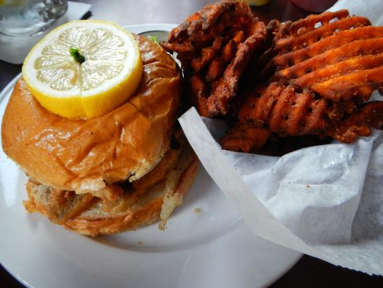 Harsens Island, MI: Fabulous Perch Sandwich & Sweet Potato Fries