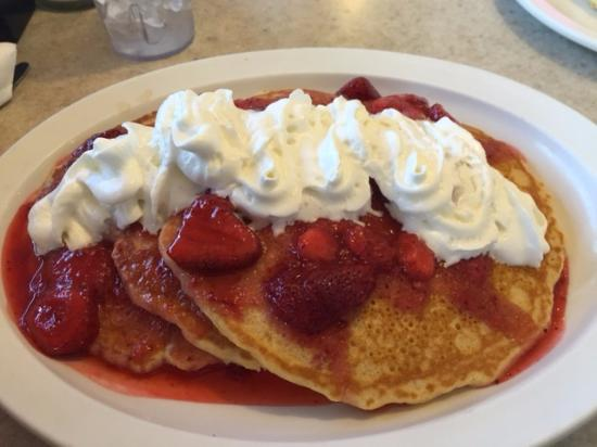 Altoona, WI: Strawberry Pancakes (delicious)