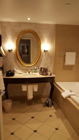 Harrah's Hotel New Orleans: Bath