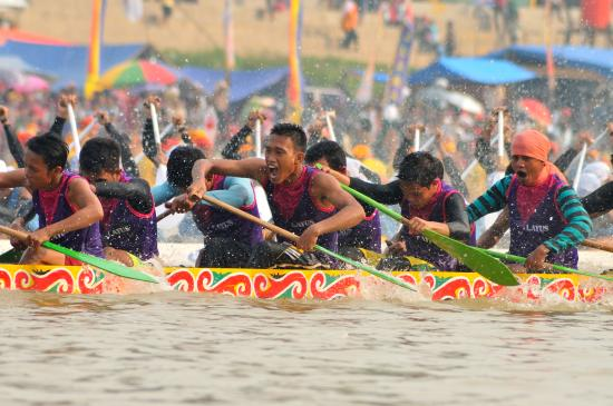 Riau Province, Indonesia: Festival Pacu Jalur (Traditional Long Boat Race)