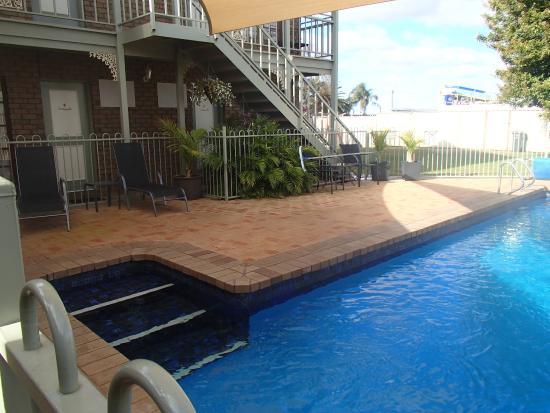 City Colonial Motor Inn: pool