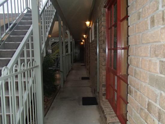City Colonial Motor Inn: Rooms