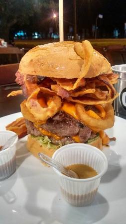Mamutt Burgers