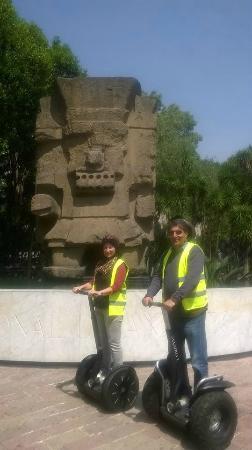 Sobre Ruedas Segway Tours: Frente al Museo Nacional de Antropología en Chapultepec
