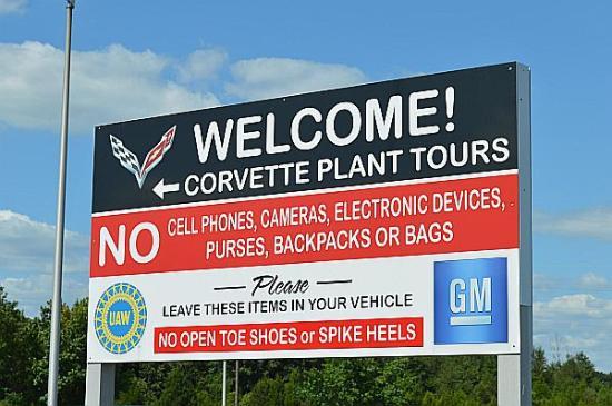corvette assembly plant picture of general motors. Black Bedroom Furniture Sets. Home Design Ideas