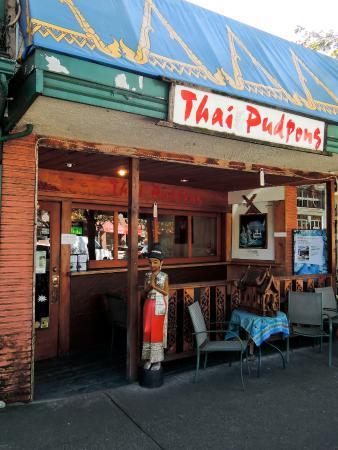 Thai Pudpong: お店の外観