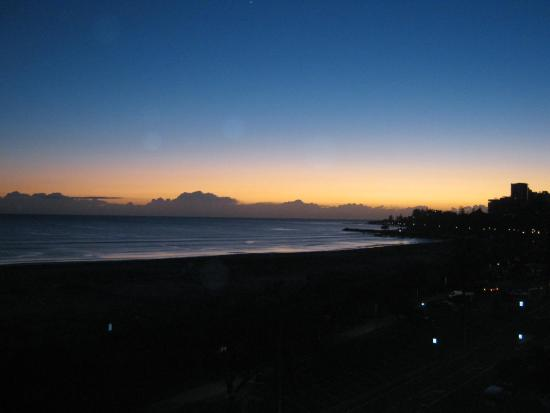Meridian Tower: Sunset over Kirra Beach