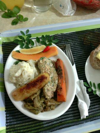 Tauono's : yellowfin tuna in coconut cream herb sauce
