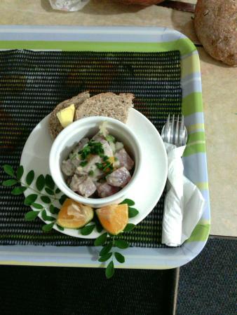 Tauono's : raw fish