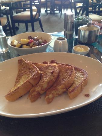 Motif Restaurant at St. Regis: french toast