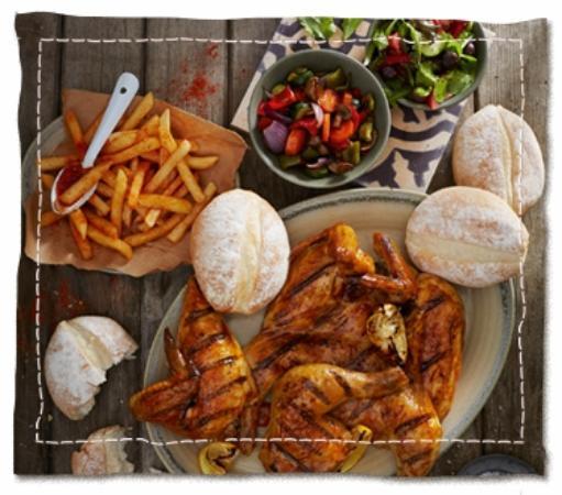 Mitchells Plain, Südafrika: Nando's Chicken with Salad