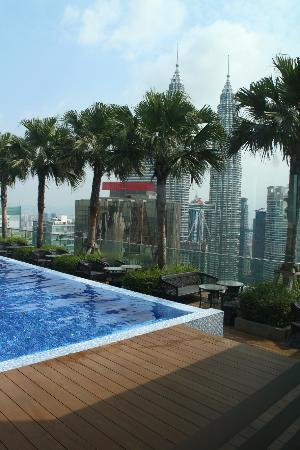 Rooftop swimming pool picture of vipod residences klcc - Rooftop swimming pool kuala lumpur ...
