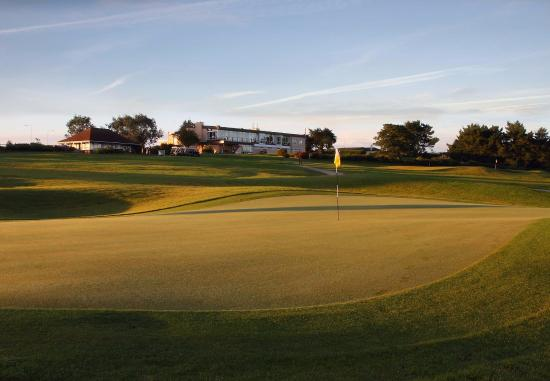 Tramore Golf Club: Clubhouse from 11th Green