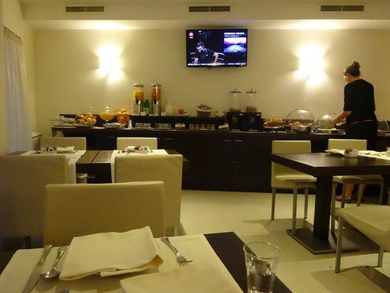 Demetra Hotel: 朝食会場