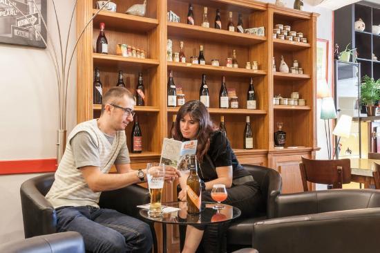 Hotel Au Soleil d'Or : pub logis au soleil d'or avec produits régionnaux