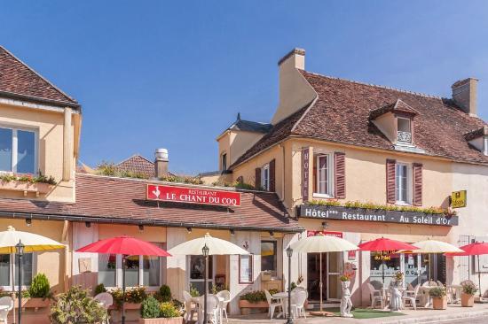Hotel Au Soleil d'Or : façade hôtel au soleil d'or restaurant le chant du coq et crêperie du soleil