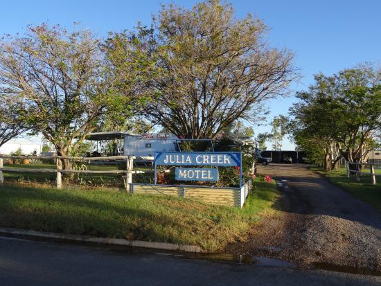 Julia Creek Motel