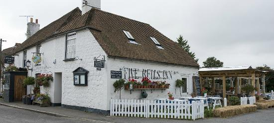 ‪Five Bells Inn Brabourne‬
