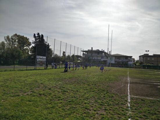Rugby Club Latina: Vista sul campo di Via dei Messapi