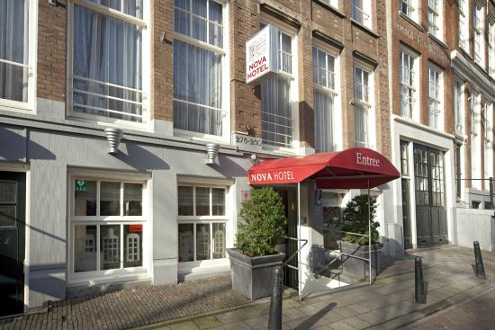 Nova Hotel Amsterdam: Hotel entrance