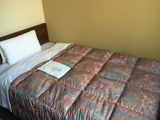 Hotel Econo Nagoya Sakae : ベッド