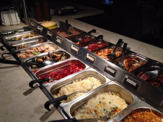 COSMO Eastbourne: Buffet mains