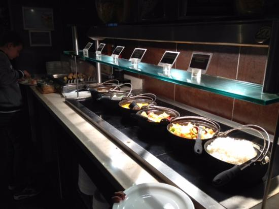 COSMO Eastbourne: Buffet curries