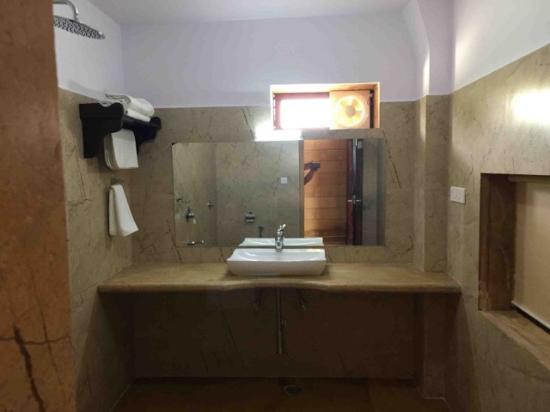 Hotel Golden Haveli: Bathroom
