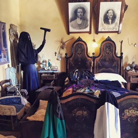 Museo Etnografico Galluras: Femmina Accabadora