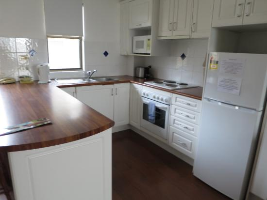 Broadbeach Central Holiday Units: A self contained kitchen which sadly wasn't used to its potential. Only the fridge!