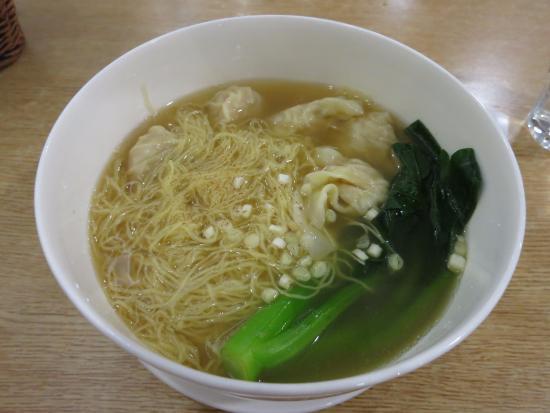 BeiJing JinHu Restaurant (Guomao) : macarrao