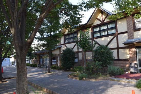Chateau Kamiya: 併設ショップ外観