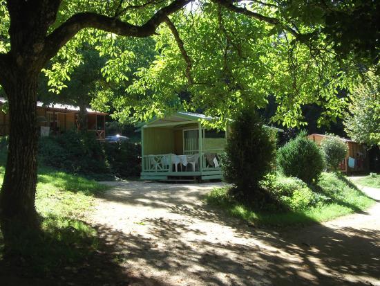 Camping a la ferme la Roussie: Chalets