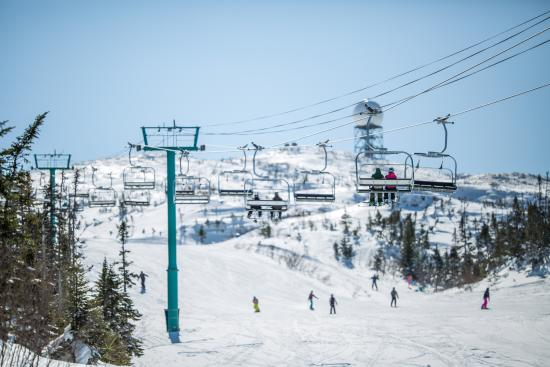 Corner Brook, Canada: Marble Mountain Summit
