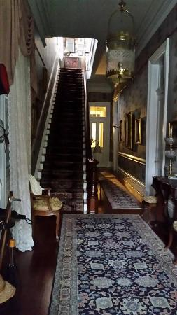Lanaux Mansion : Interior of mansion entry