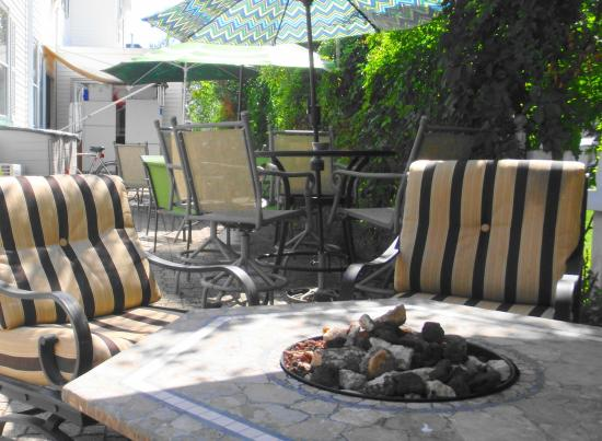 The Inn At The Shore: The Patio
