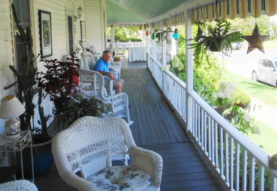 The Inn at the Shore Belmar: The Porch