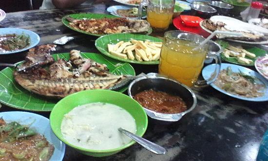 Ruman Makan Paotere
