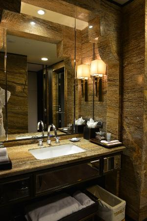 ITC Grand Chola, Chennai: Room Interiors  Bathroom